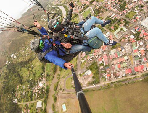 volar causa felicidad con  Parapente Paute